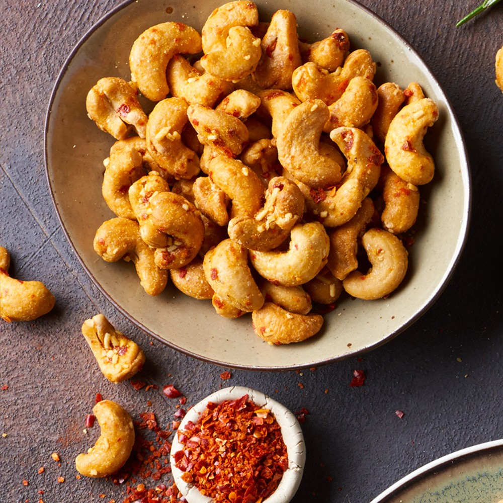 Indijski oreščki s sirom & čilijem Tasty, 60 g