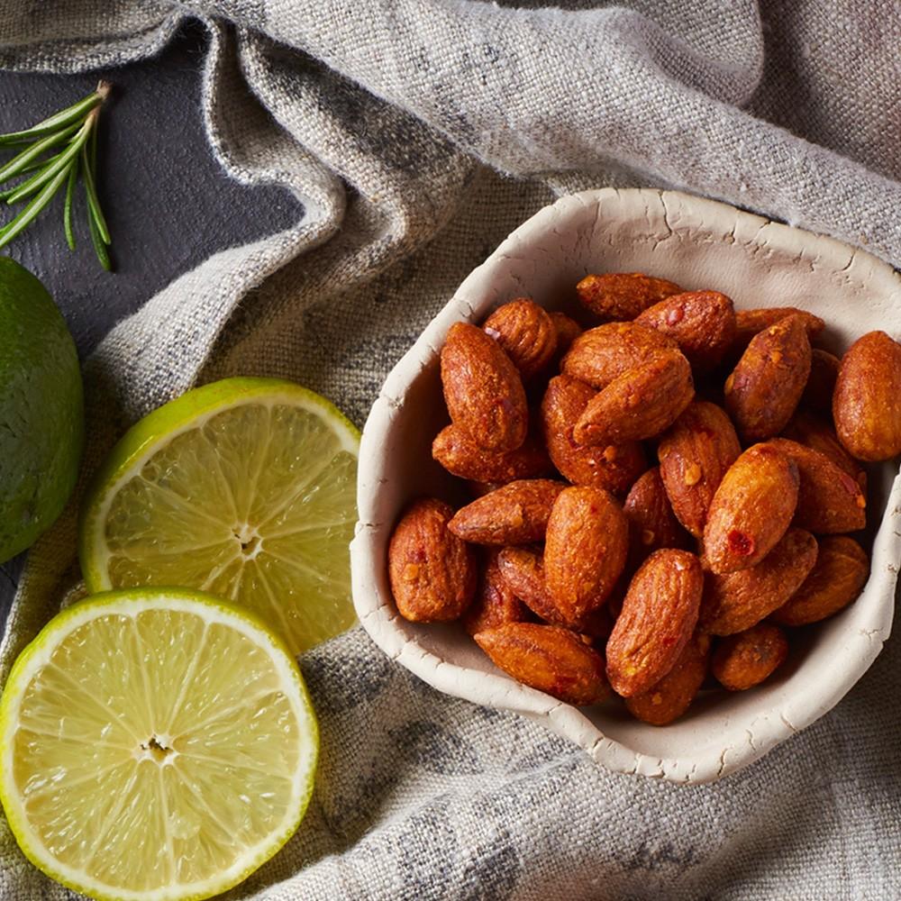 Mandlji s čilijem & limeto Tasty, 150 g